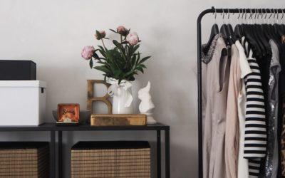 10 błędów, jakie popełniasz budując szafę kapsułową